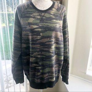 Levi's | Camouflaged Fleece Sweatshirt Size L